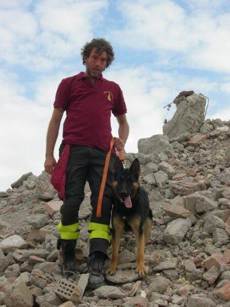 Fabrizio Cataudella, vigile del fuoco di Latina ha estratto i bambini dalle macerie e dalla neve del resort Rigopiano